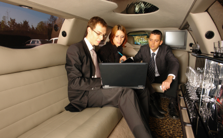 Newark business travelers prefer using a Newark airport car service for Newark airport transportation.